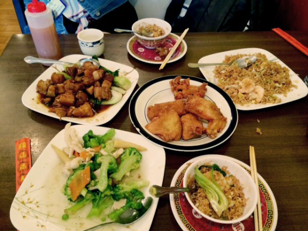 Chinese food offerings at Phoenix Inn Restaurant. Photo by Adrian Wan.
